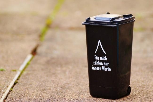 dustbin-1175897_960_7201.jpg